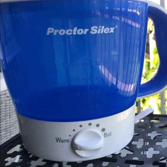Plastic tea pot